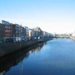 Vue sur la riviére Liffey à Dublin