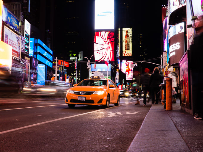 Voyage à New York, taxi sur Time Square