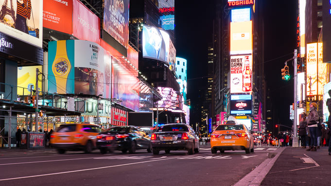 photo de taxis New-Yorkais sur Time Square