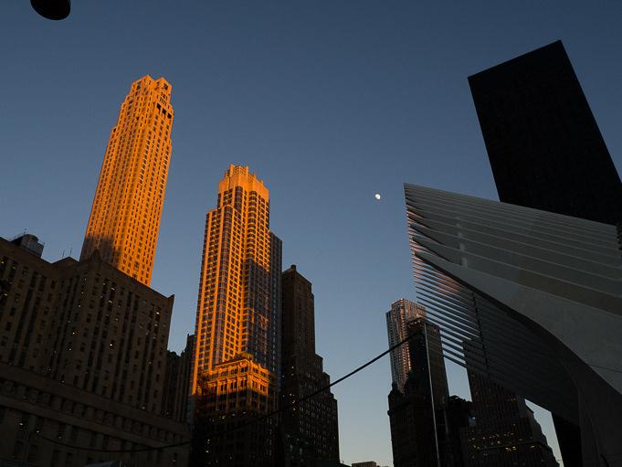 photo tombée de la nuit sur New York