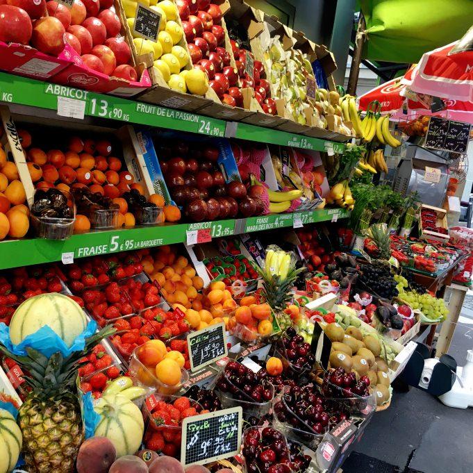 Un étage de fruits et légumes sur le GRP...